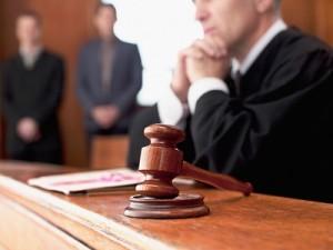 Выписать в судебном порядке