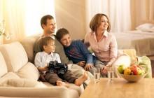 Молодая семья с детьми