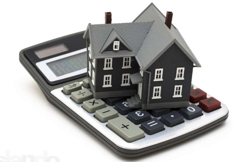 Макет дома и калькулятор