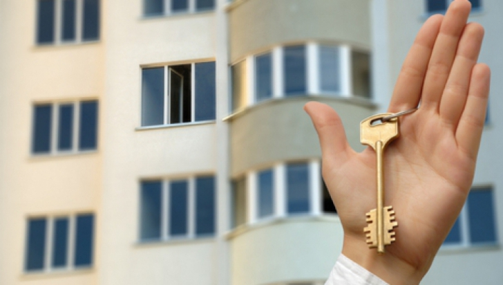 До какого года продлена приватизация квартир в России?