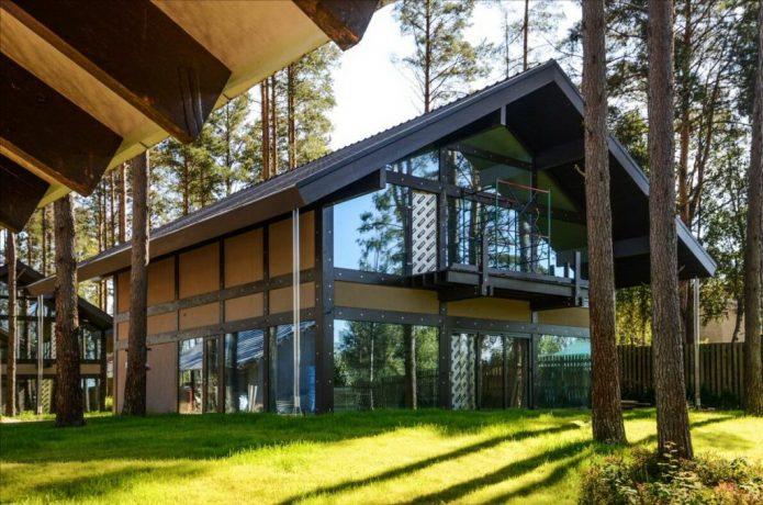 Интересный дом в стиле фахверк