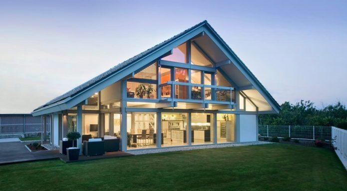 Загородный дом в стиле фахверк