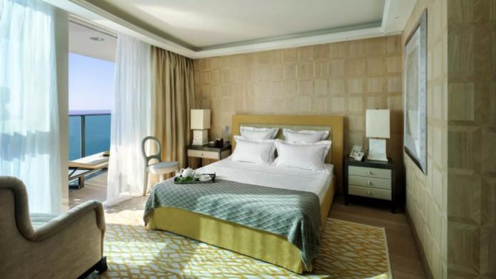 Спальня в самой дорогой квартире в мире