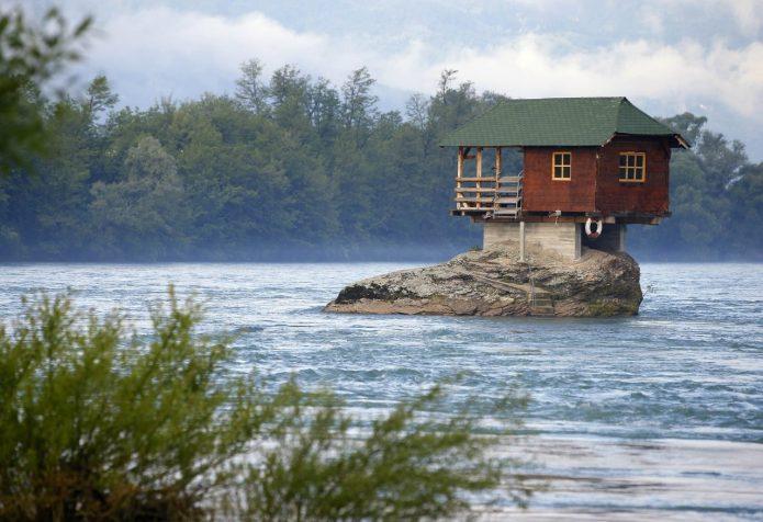 Экстремальное жилище в Сербии