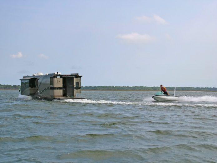 Удивительная машина-яхта
