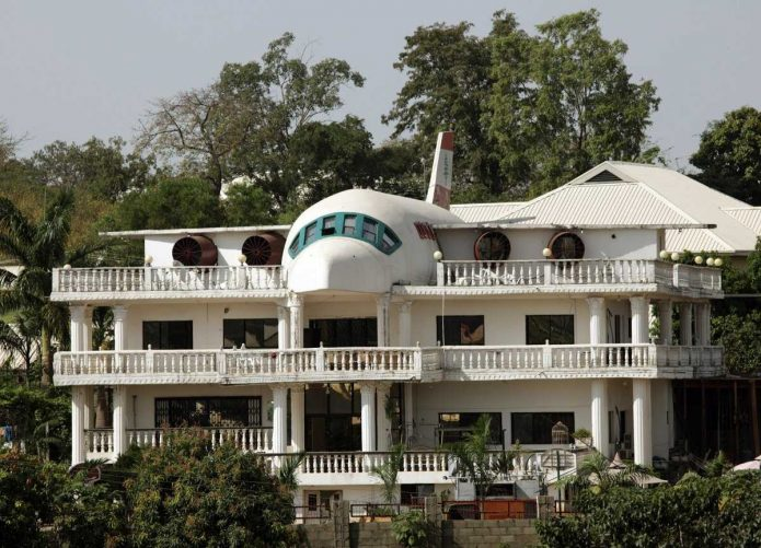 Оригинальный дом для любителей авиации