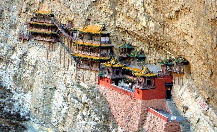Висящий храм в Китае