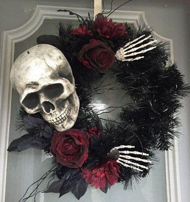 Тематические венки по случаю Хэллоуина на входные двери