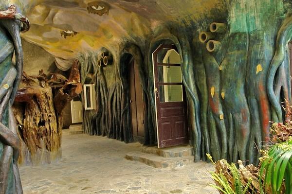 интерьер сумасшедего дома во Вьетнаме