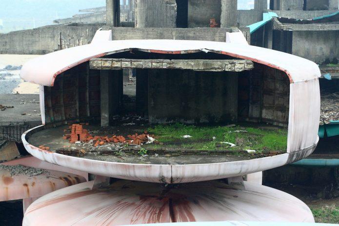 Развалины футуристического посёлка