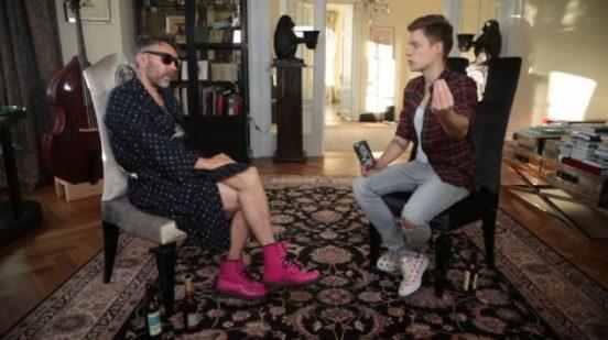 Шнуров и Дудь в квартире музыканта