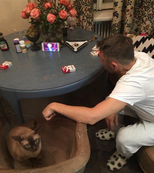 Сергей Шнуров и его кот