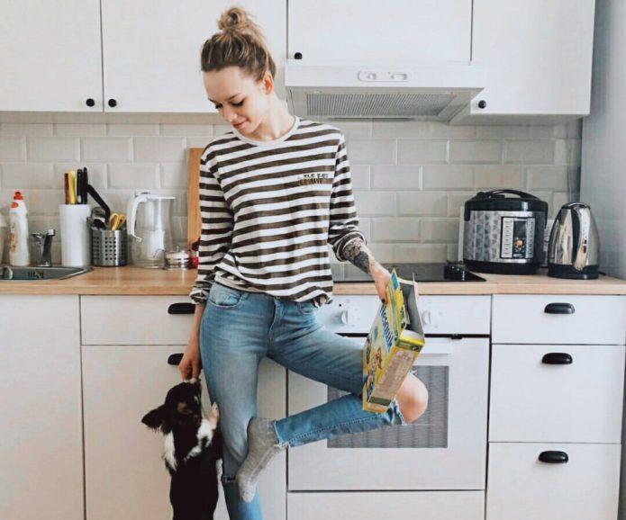 Звезда «Пусть говорят» на кухне