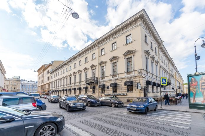 Дом, в котором находится квартира Анастасии Волочковой в Санкт-Петербурге