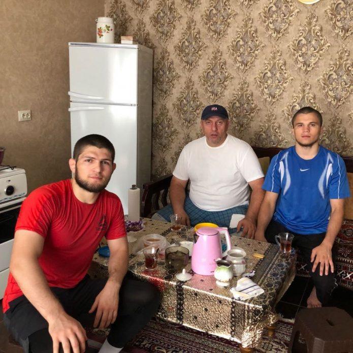 Хабиб Нурмагомедов дома в Махачкале