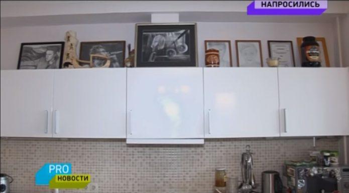 Кухня в его квартире