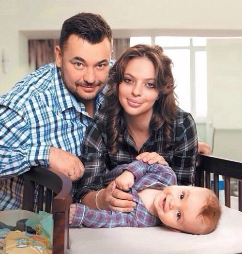 Сергей Жуков с семьёй