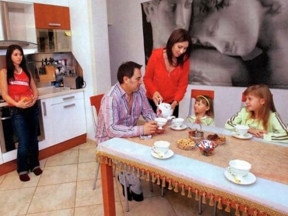 Меладзе с семьёй