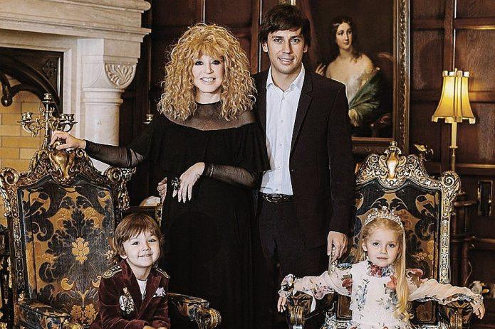 Пугачёва и Галкин с детьми