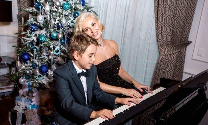 Пианино в квартире Полины Гагариной