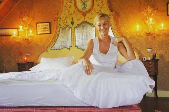 Наталья Андрейченко в спальне