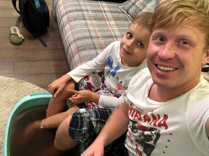 Актёр «Реальных пацанов» с сыном