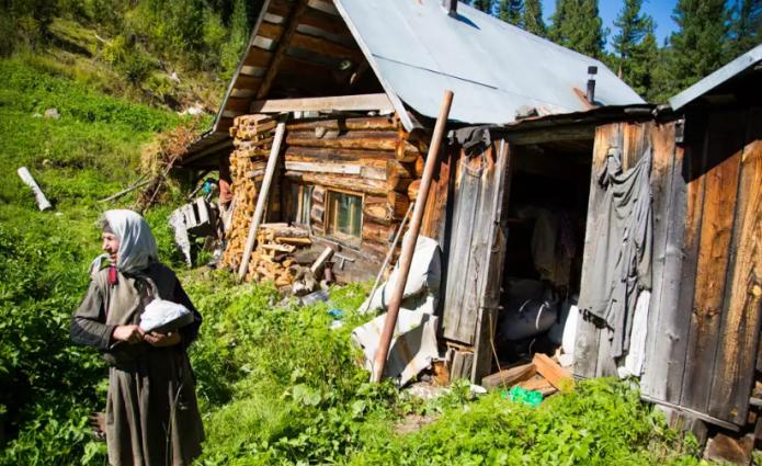 Дом, где живёт Агафья Лыкова