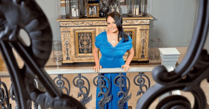 София Ротару на балконе