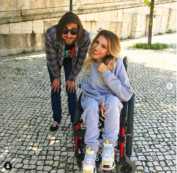 Самойлова с другом в Лиссабоне