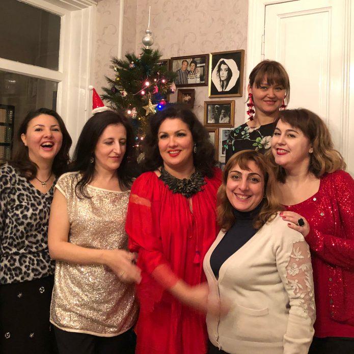 Анна Нетребко с друзьями