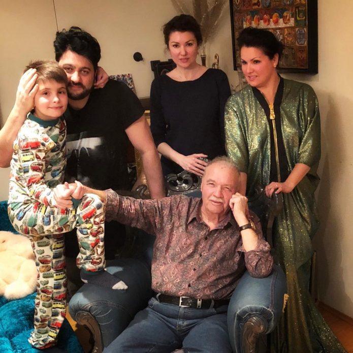 Анна Нетребко с семьёй