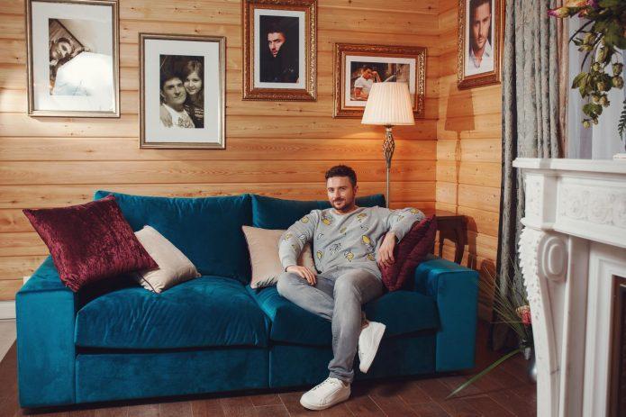 Где живет Сергей Лазарев