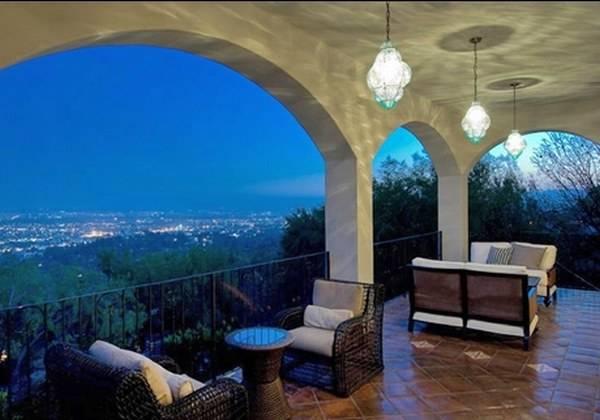 Вид с веранды на Лос-Анджелес