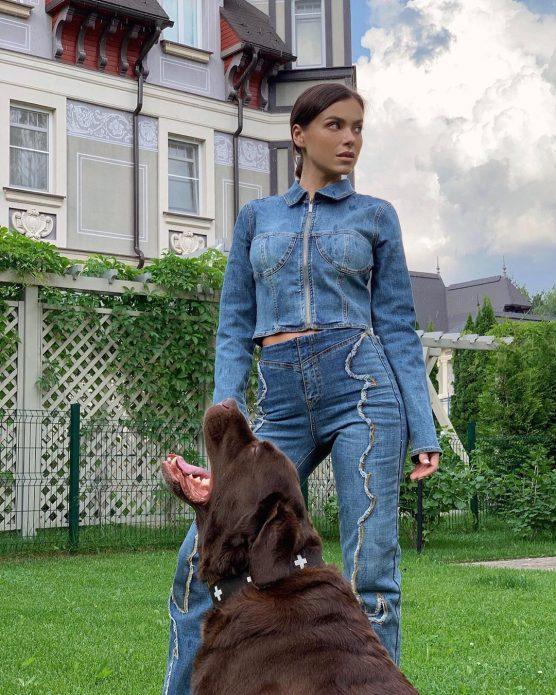 Елена Темникова с собакой