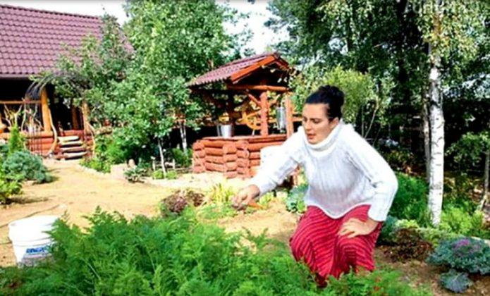 Елена в загородном доме